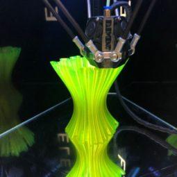 Неоновая ваза распечатанная на Element3D v2.1